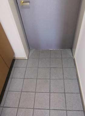 genkan-taile-door3.jpg