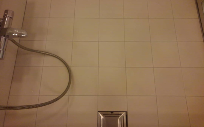 bathroom_yuka_tile_kurozumiyogore1.jpg