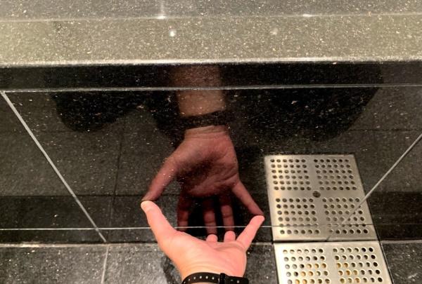 kuromikage_bathroom-mizuaka-siroiyogore1.jpg
