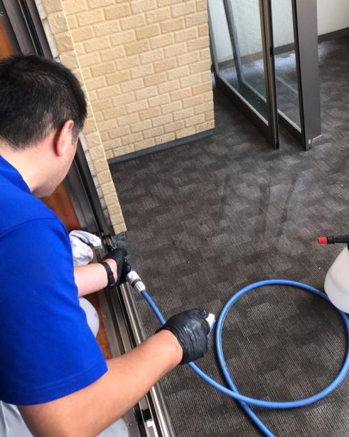 mado_sassi_amido_akisituzentai-cleaning02.jpg